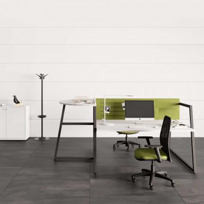 Bench Fusion mit Anbautisch und Trennwand mit Ablagefächern