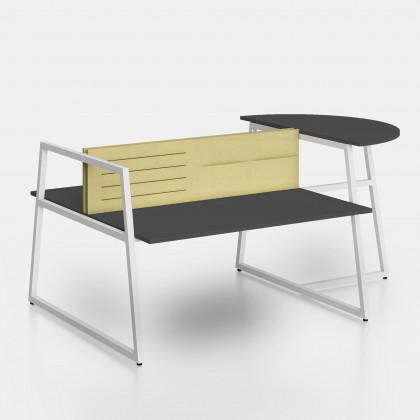 Bench Fusion mit Anbautisch und Trennwand mit elastischen Bändern und Ablagefächern