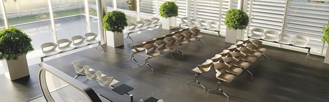 Panche e tavolini per zone attesa