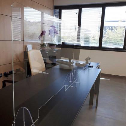 Schermo divisorio in plexiglass da scrivania